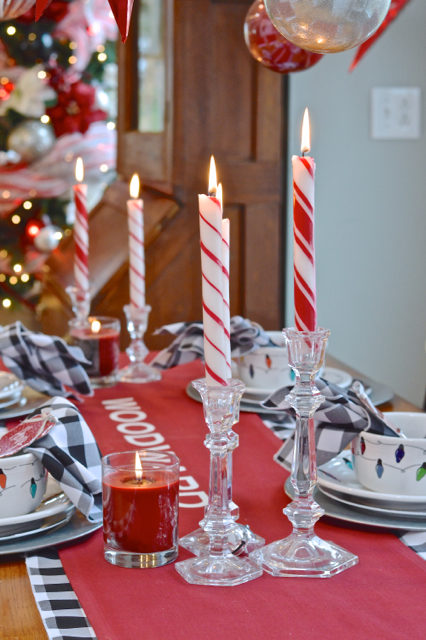 christmas-red-dining-room-decor19