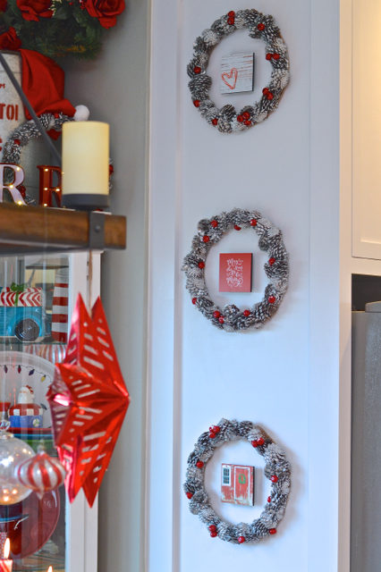 christmas-red-dining-room-decor23