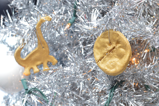 dinosaur-kids-christmas-tree3
