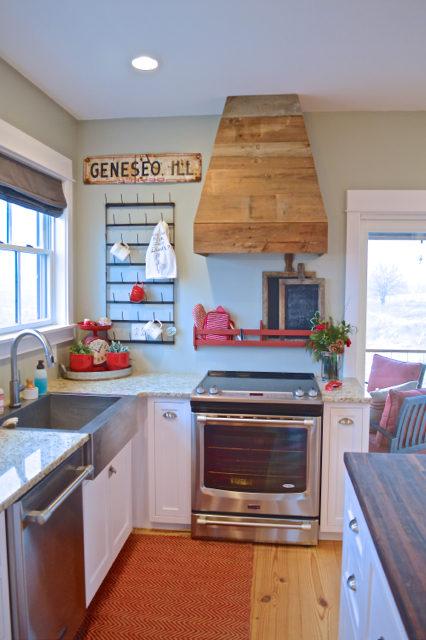 kitchen without backsplash2