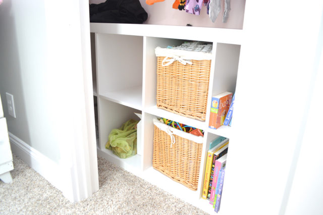 Gentil HOW TO ORGANIZE A SMALL CLOSET ON A BUDGET