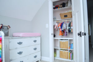 Inexpensive ideas to organize a small closet