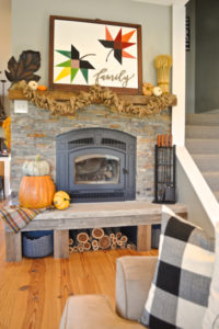 DIY maple leaf barn quilt | Fall mantel inspiration