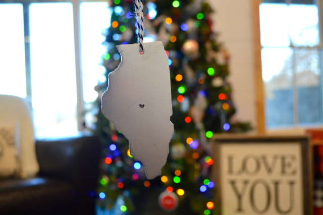 Amazon handmade ornament   Metal state of Illinois