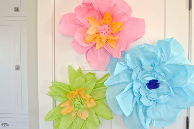 How to make giant paper flowers newlywoodwards how to make a diy giant paper flower from crepe paper pottery barn inspired mightylinksfo