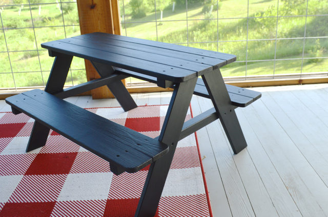 Painting A Picnic Table With Chalkboard Paint Newlywoodwards