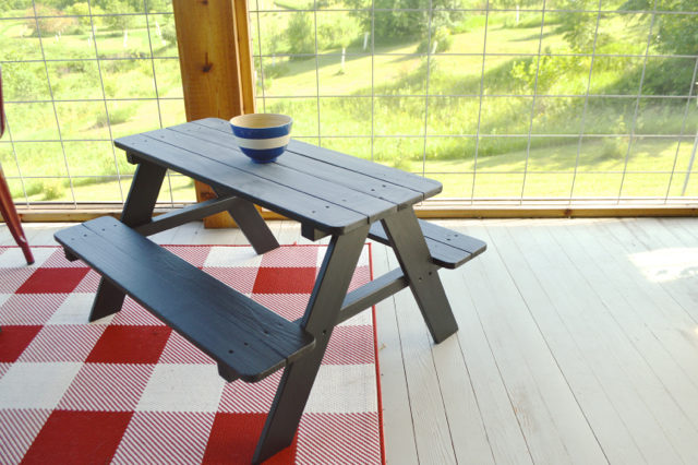 Painting A Picnic Table With Chalkboard Paint NewlyWoodwards - Best paint for picnic table